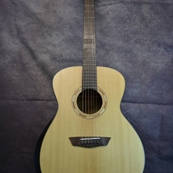 WASHBURN Confort Series Solid Spruce Top